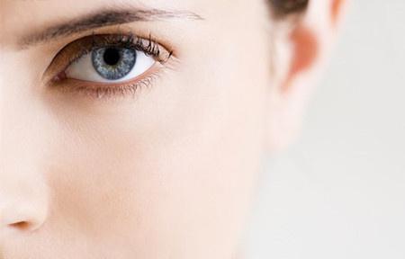 祛眼袋怎么办 长沙爱思特整形医院内切祛眼袋很专业 设备齐全