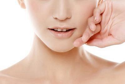 成都潘多拉【假体垫下巴】改善下颌曲线 让脸型更协调