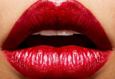漂唇后为什么嘴唇会发黑 中山美尔整形让唇色更符合你的特色