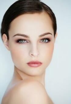 昆明杨穗医疗美容医院提眉术效果 多大年龄适合