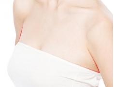 哪个副乳切除医院好 广州紫馨整形医院副乳切除多少钱