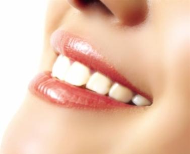 改薄嘴唇的方式是什么 修薄厚唇让美丽倍增