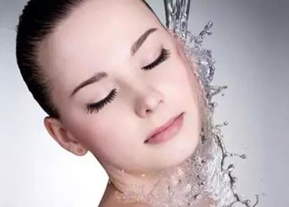 毛孔粗大怎么办 光子嫩肤能否收缩毛孔 有怎么样的优势