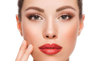 改善厚唇的方式是什么 厚唇变薄费用多少钱