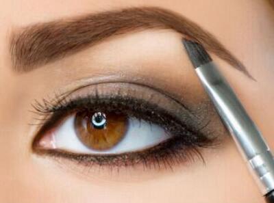 漂亮的眉毛很好的修饰颜值 眉毛种植哪些人适合做