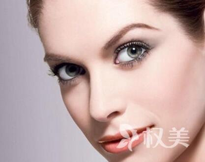 硅胶隆鼻是永久的吗 上海九院隆鼻整形价格表